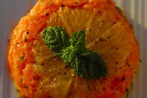Tartare di salmone agli agrumi con mousse di avocado