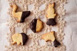 Biscottini di frolla al cioccolato Scavina e sale affumicato